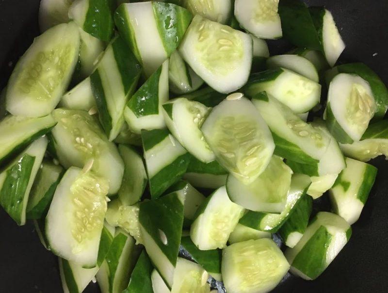 きゅうりの支柱とネットの張り替えがないと、とにかく楽。夏野菜は無料です。