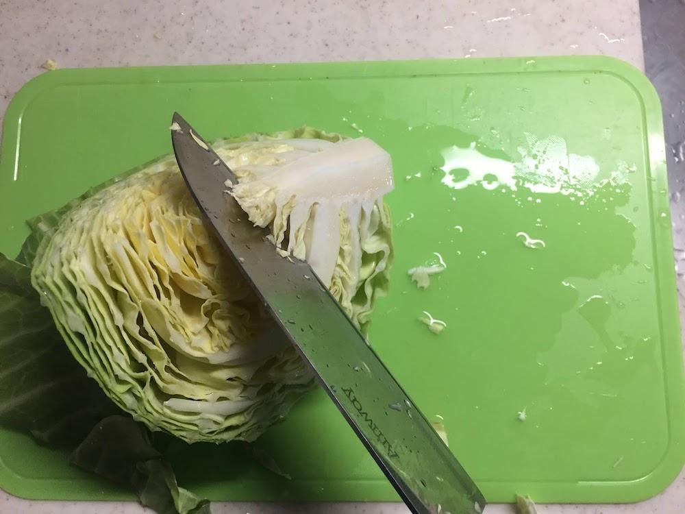 キャベツの芯も大きすぎず、硬くないので調理もしやすい。冷蔵庫での日持ちもいい