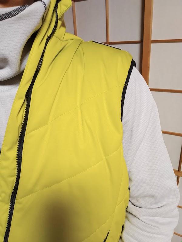 ワークマンの冬の袖なしベスト。農作業着の上から着る